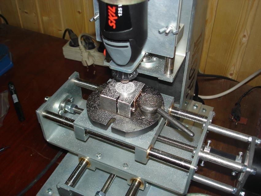 Как сделать фрезерный станок по металлу своими руками 90